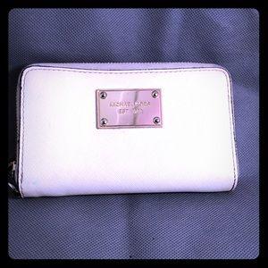 Michael Kors zip wallet cream